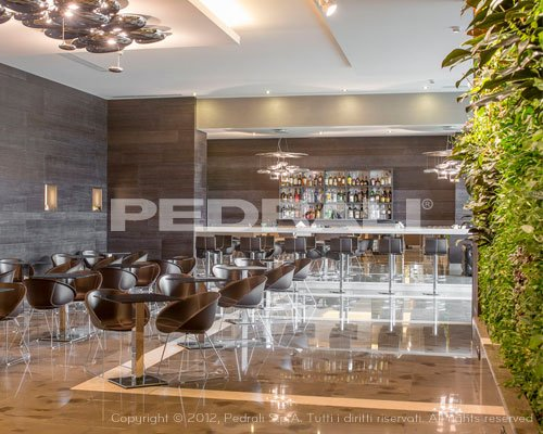 Valenti contract arredamento hotel bar for Arredamento hotel